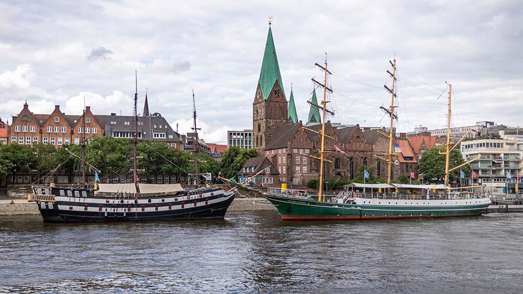 Die Weserpromenade in der Altstadt